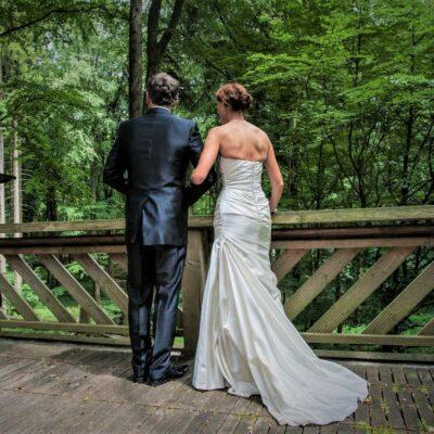 Hochzeit im Wald Brautpaar